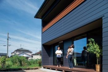 アクセントを効かせたデザイン 多彩で豊富な収納も確保