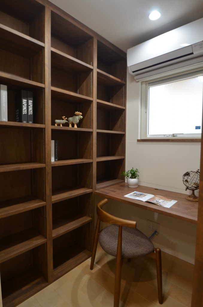 必要な機能を十分に備えました! 書斎はエアコン完備の快適空間です。